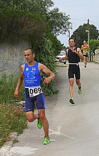 trčanje nizbrdo boli